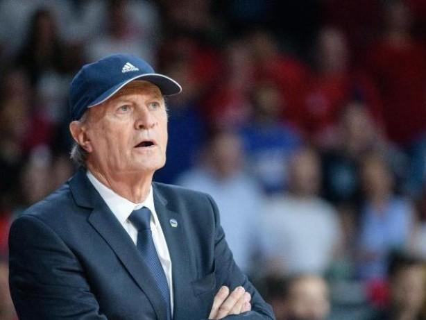 Basketball: Alba-Trainer Reneses muss sich Augen-Operationen unterziehen