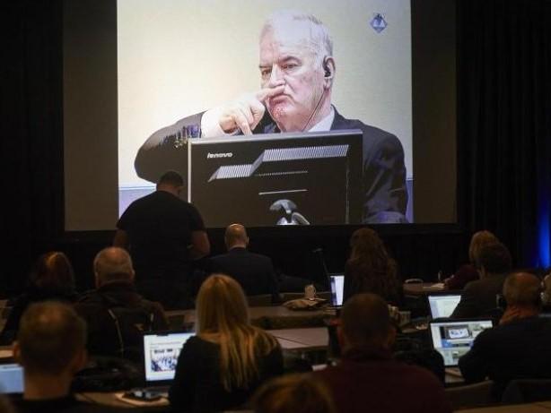 """""""Schlächter vom Balkan"""": Eklat im UN-Tribunal: Richter werfen Mladic aus Gerichtssaal"""