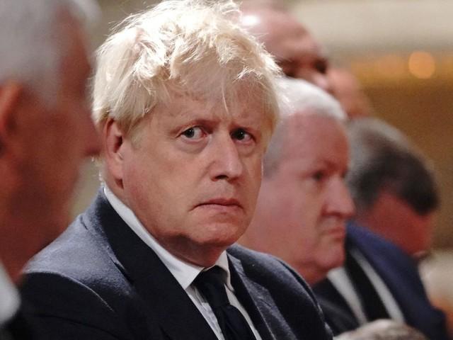 """Mediziner schlagen Alarm: Großbritannien steuert auf harten Corona-Winter zu – doch """"Plan B"""" bleibt in der Schublade"""