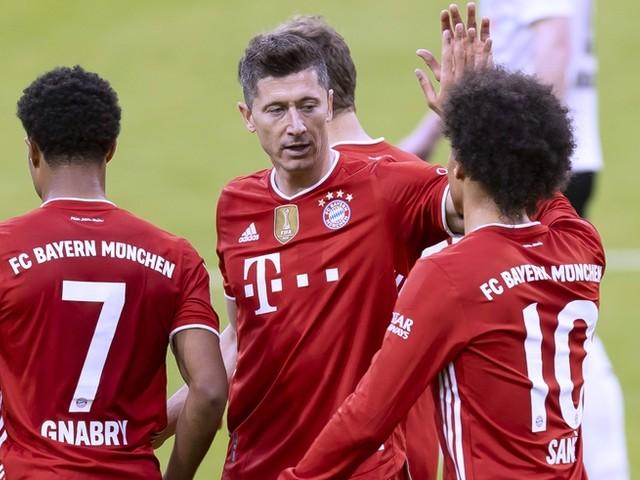Lewandowski stellt mit 40 Toren Gerd Müllers Rekord ein