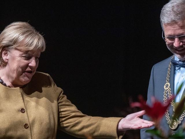 Bundeskanzlerin Angela Merkel: »Opposition sollte gut behandelt werden«