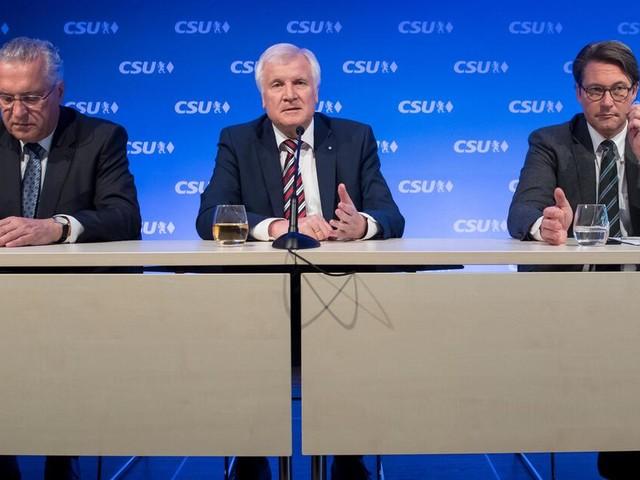"""Nach der Bundestagswahl: Seehofer will """"rechte Flanke"""" schließen - Wie rechts wird die CSU?"""
