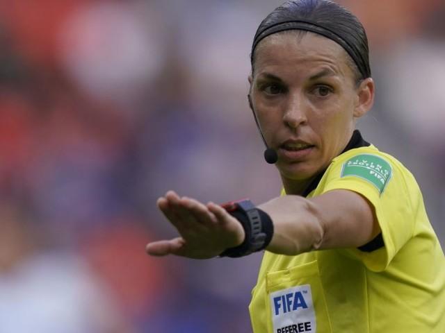 Historisch: Madame Frappart pfeift das Supercup-Finale