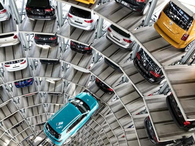 Autobauer: VW liefert im Juli weniger Fahrzeuge aus