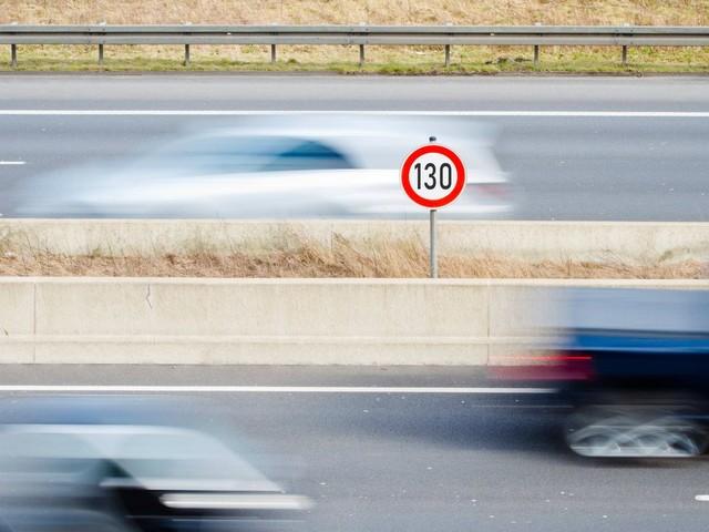 Tempolimit: 77 Prozent der Fahrerinnen und Fahrer sind mit weniger als 130 km/h unterwegs