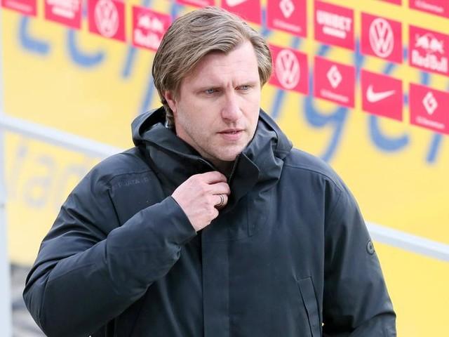 Eintracht Frankfurt: Krösche ist da - wer wird neuer Trainer?