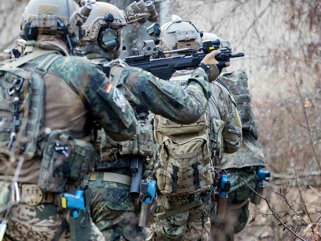 Elitekämpfer akzeptiert Strafbefehl: KSK-Soldat muss 4000 Euro Strafe für Hitlergruß zahlen