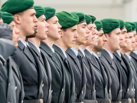 Bundeswehr - Kramp-Karrenbauer gegen Rückkehr zur Wehrpflicht