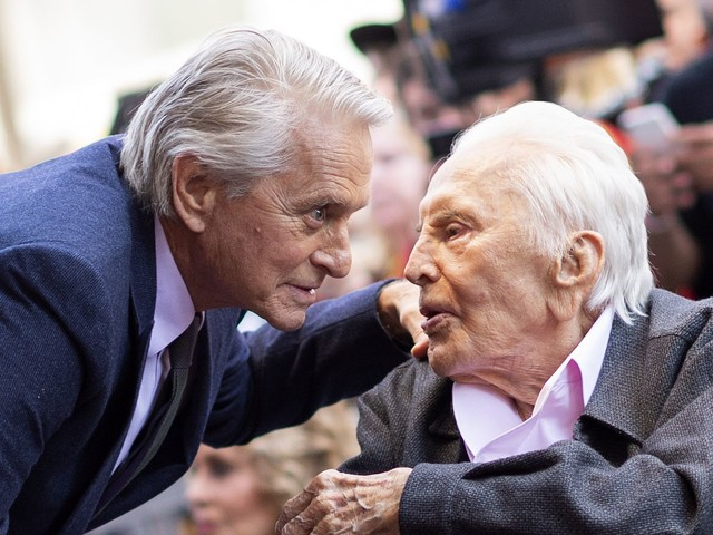 102 Jahre alt: Michael Douglas gratuliert seinem Vater Kirk!