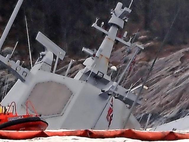 Nach Kollision mit Tanker – Norwegische Fregatte sinkt ab