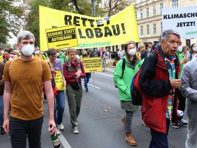 Tausende Teilnehmer bei Klimastreiks in österreichischen Städten
