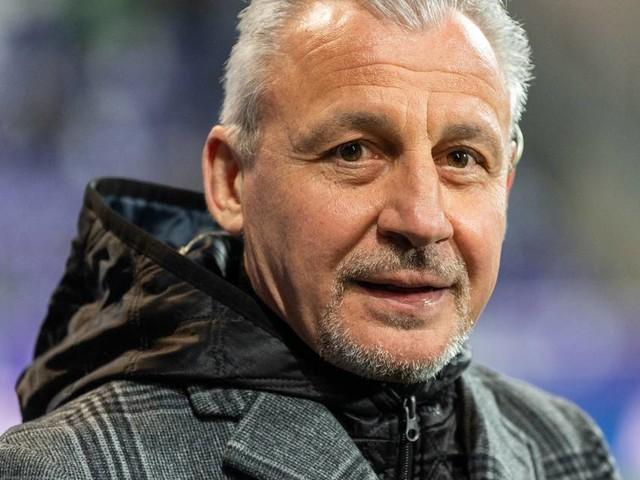 Trainingsauftakt beim MSV: Trainer Dotchev spürt frischen Wind