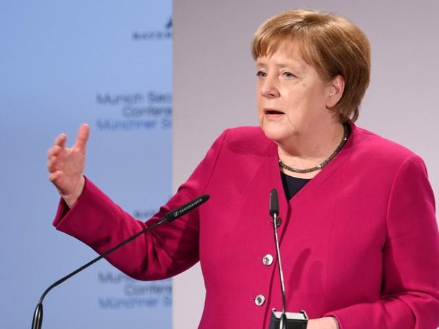 Sicherheitskonferenz: Merkel will Rüstungsexporte erleichtern