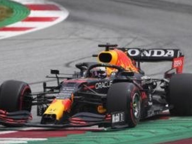 Verstappen im Training in Spielberg vor Bottas und Hamilton