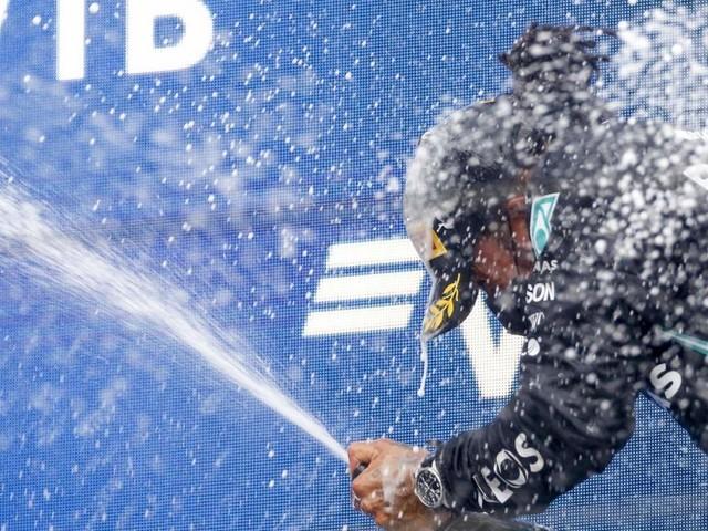 """""""Zauberer im Regen"""" - Stimmen zu Hamiltons Triumph in Sotschi"""
