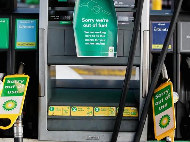 Leere Tankstellen in Großbritannien: Versorgungskrise spitzt sich zu