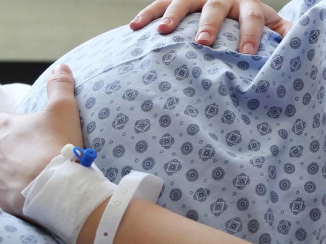 """""""Das Baby schützen zu wollen, ist ein Trugschluss"""" - 25-Jährige stirbt ungeimpft auf seiner Station – nun richtet Arzt Appell an Schwangere"""