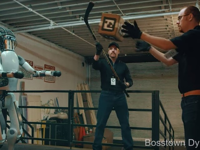Boston Dynamics: New Robots Now Fight Back | Wenn humanoide Roboter sich auf einmal wehren