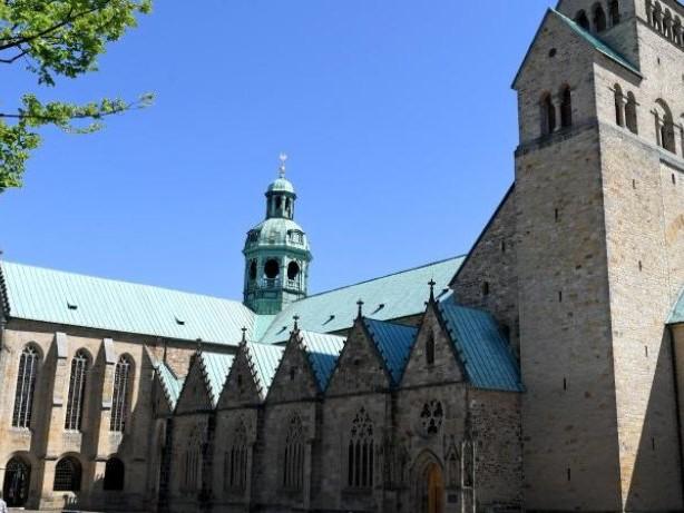 """""""Dach für die Seele"""": Hildesheimer Dom zieht nach Sanierung immer mehr Besucher an"""