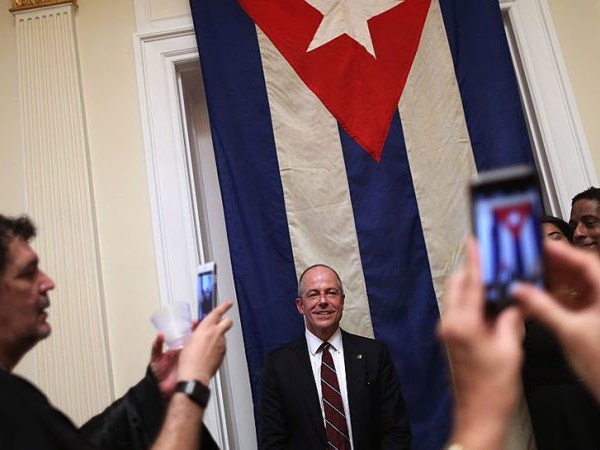 Unexplained 'Sonic Weapon Attacks' Are Blowing Up Relations Between the US and Cuba