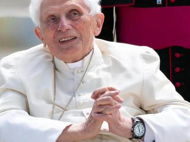 Paradox, naiv, Einmischung? Papst-Interview sorgt für Kritik