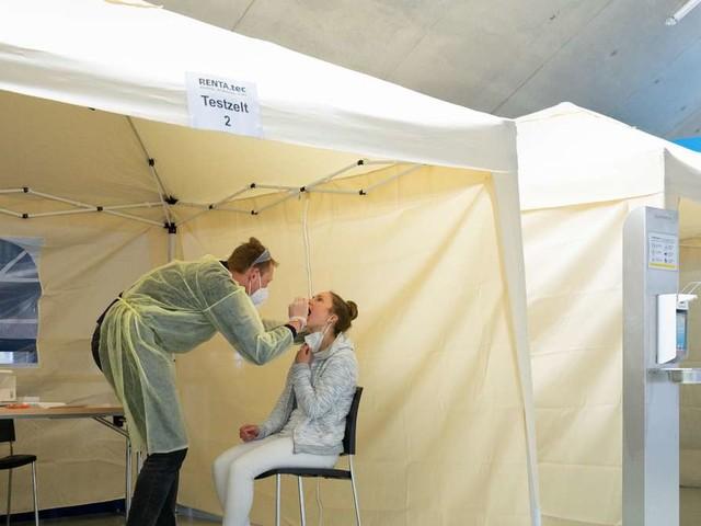 Corona in Deutschland: RKI teilt Fallzahlen mit – Inzidenz steigt den achten Tag in Folge an
