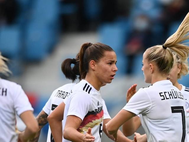 Dank Schüller-Viererpack: DFB-Frauen feiern Pflichtsieg gegen Serbien