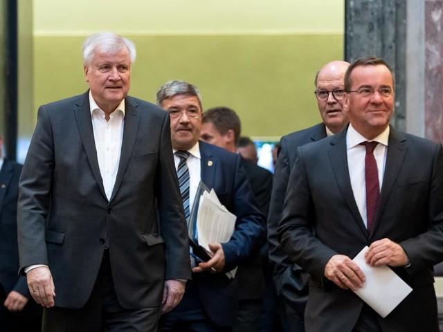 Zehn-Punkte-Plan gegen Rechtsextremismus beschlossen