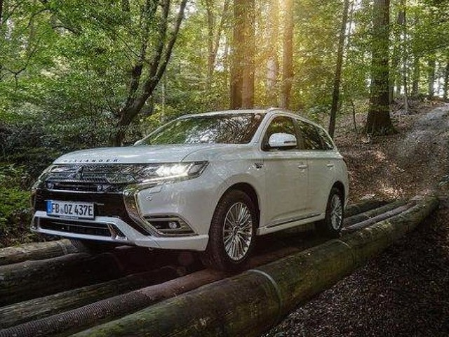 - Mitsubishi Outlander statt Mercedes G: BaWü-Förster fahren jetzt Elektro-SUV