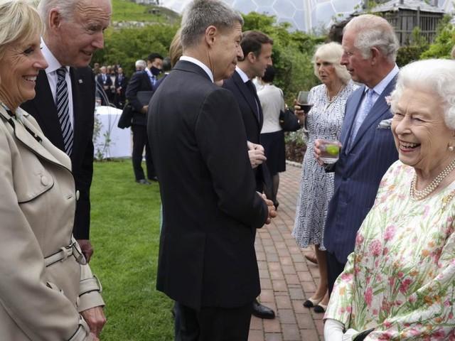 """Queen Elizabeth und """"ihr"""" 13. US-Präsident"""