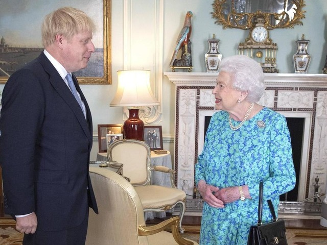 Warum die Queen heute Johnsons Brexit loben wird