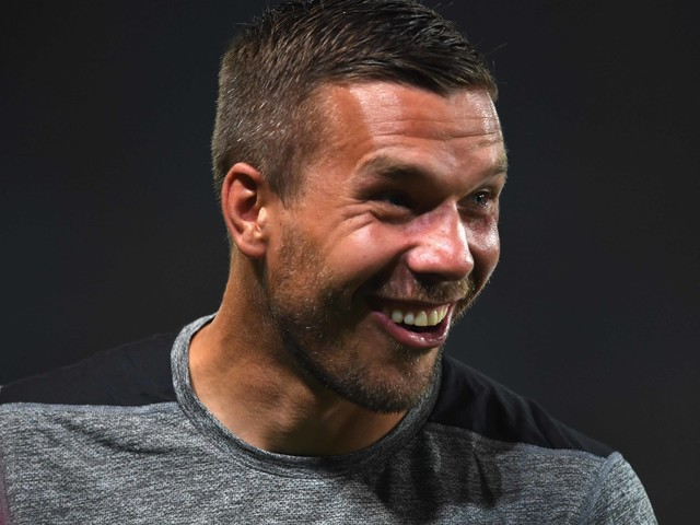 """So erbärmlich entschuldigt sich """"Breitbart"""" bei Lukas Podolski"""