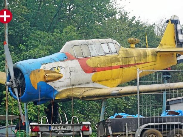 """Wahrzeichen: Schwelm: US-Flugzeug vorm Triebwerk """"gelandet"""""""