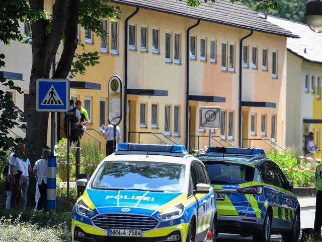 Großeinsatz in NRW: Zwei Tote nach Schüssen in Espelkamp – Täter auf der Flucht