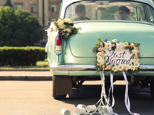 Autoschmuck Hochzeit: Wie Sie ihr Brautauto zum Hingucker machen