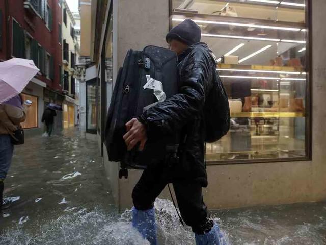 Neue Unwetter angekündigt: Schaden in Venedig geht in die Milliarden