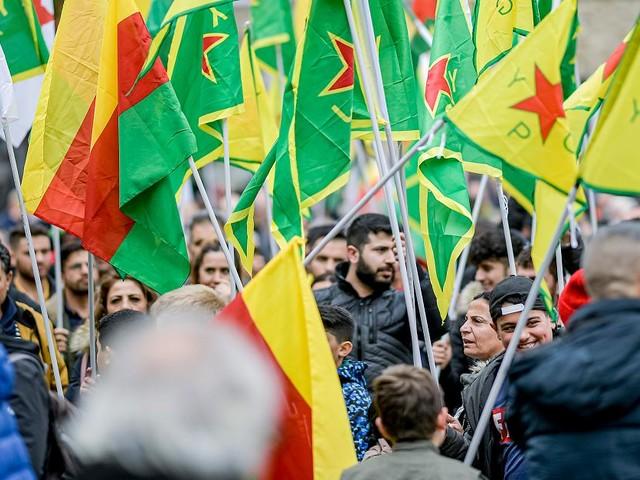Steinwürfe und Messerstiche - Kurden-Demos in Bottrop und Lüdenscheid eskaliert - neun Verletzte