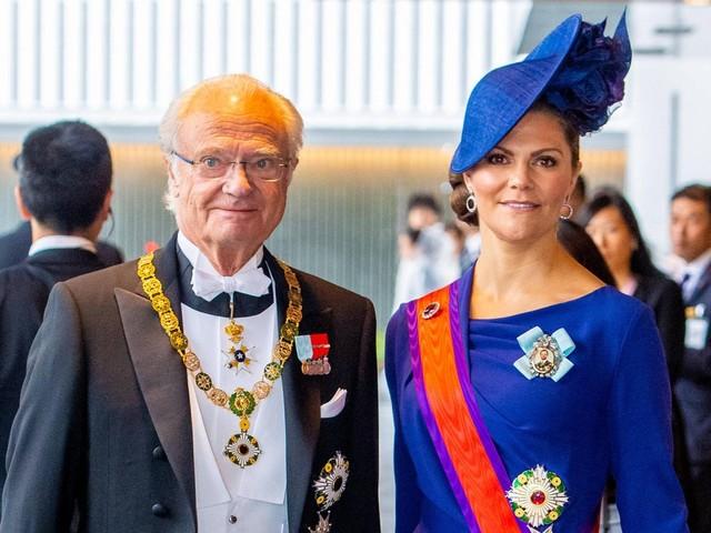 König Carl Gustaf + Prinzessin Victoria von Schweden: Schwedische Royals müssen ihren Urlaub unterbrechen