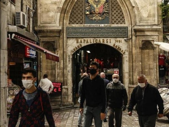 Großer Basar in Istanbul beendet Corona-Pause