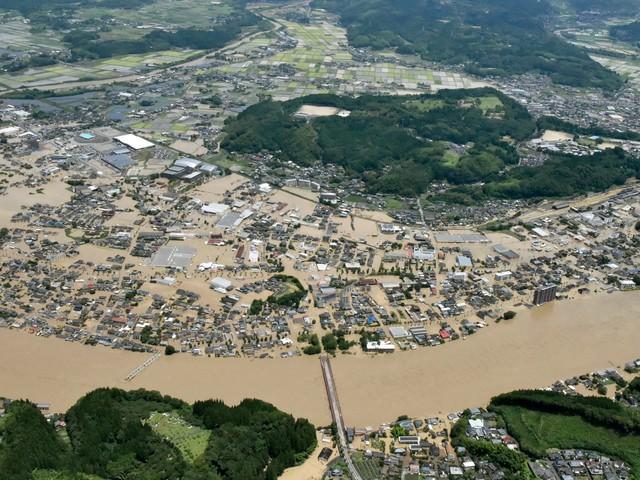 Schwere Überschwemmungen in Japan: Hunderttausende müssen fliehen