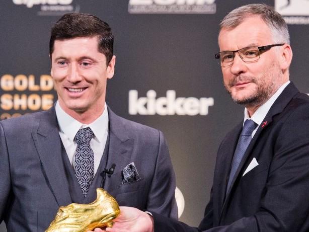 Fußball: Bester Torjäger: Bayerns Lewandowski erhält Goldenen Schuh