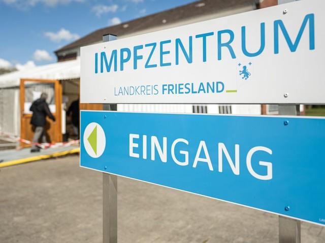 Corona-Impfung: Kühlkette unterbrochen: Landkreis Friesland verabreicht spontan 600 Impfdosen