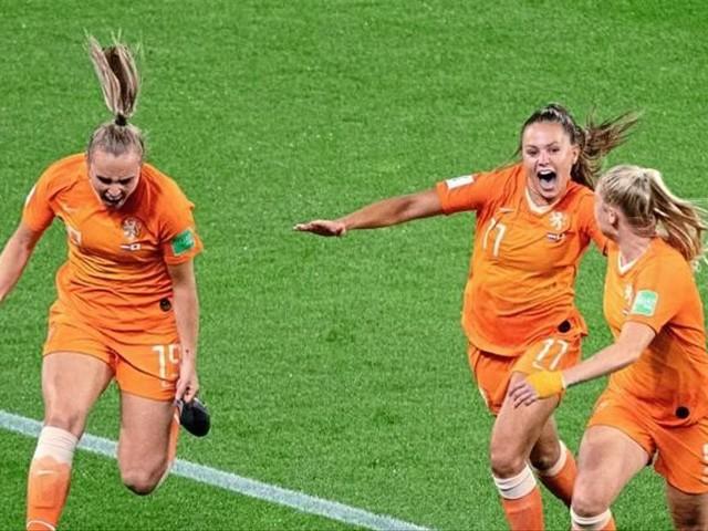 Niederlande und Italien komplettieren Viertelfinale