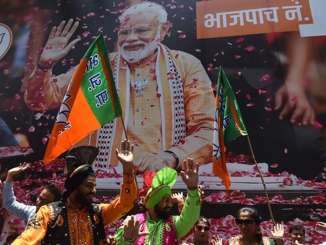 Erdrutschsieg für Indiens umstrittenen Saubermann