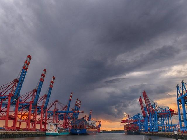 Wachstumserwartungen gesenkt: Bund sieht keine Konjunkturkrise