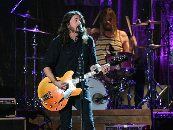 "Foo Fighters: Neuen Song ""Sunday Rain"" hier hören!"