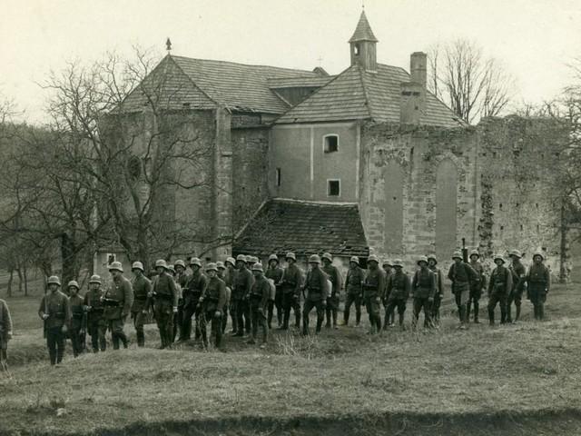 100 Jahre: Das Burgenland feiert sich auf einer Burg