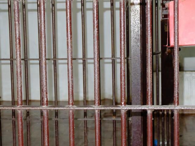 20 Monate Haft für 15-Jährigen nach bewaffnetem Überfall