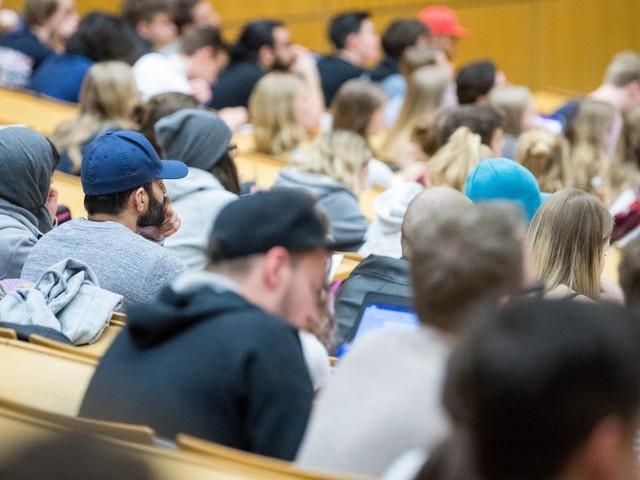 Corona - Faßmann, ÖH und Hochschulen mit Impfappell an Studierende