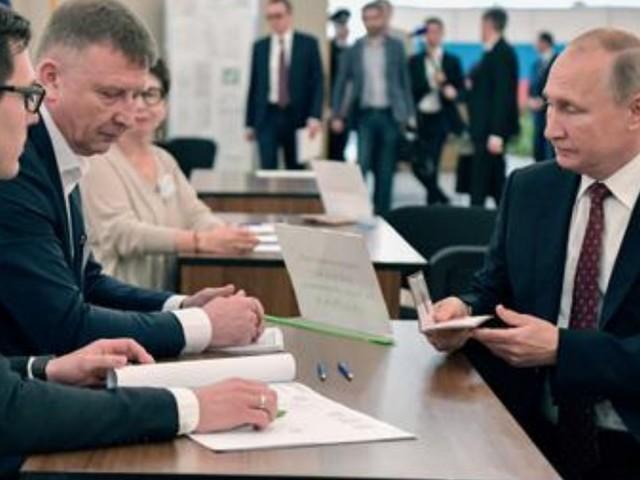 Parlamentswahl in Russland: Opposition wirft Kremlpartei Wahlbetrug vor